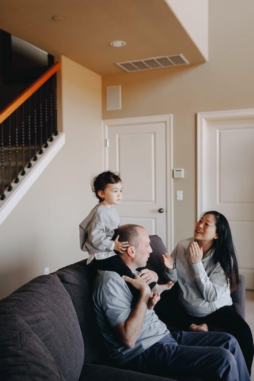 Gratis stockfoto met binnen, binnenshuis, blijdschap