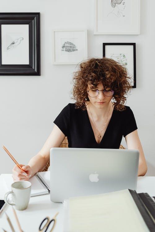 垂直拍摄, 女人, 工作的 的 免费素材图片