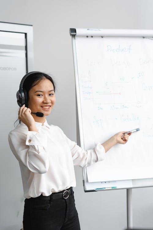 亞洲女人, 亞洲女性, 呼叫中心代理 的 免費圖庫相片