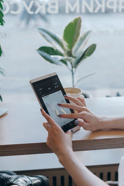 Kostenloses Stock Foto zu aktienmarkt, buchhaltung, digital-tablette