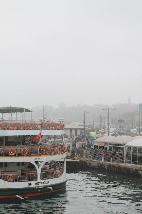 Gratis stockfoto met boot, haven, pier