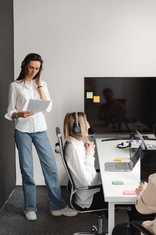 Immagine gratuita di agenten de call center, assistenza clienti, call center