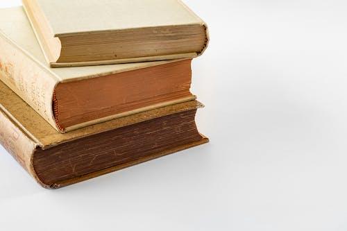 คลังภาพถ่ายฟรี ของ กระดาษ, กอง, กองหนังสือ