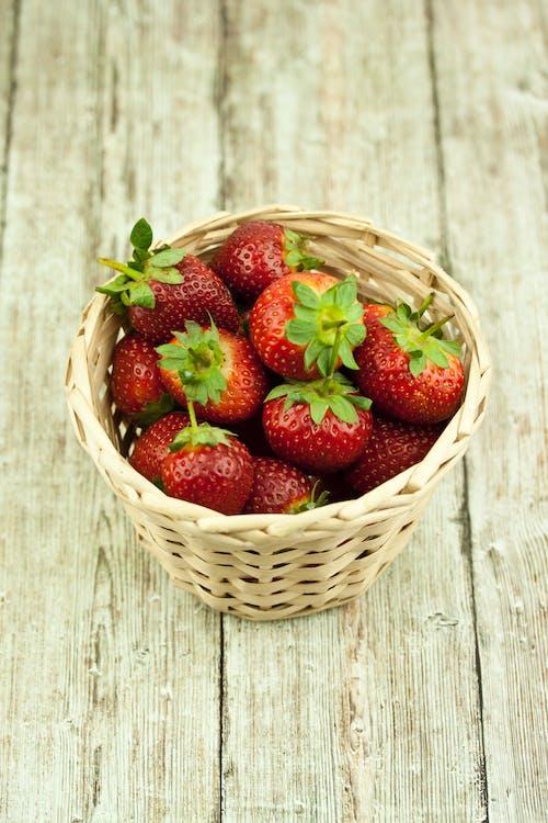 Δωρεάν στοκ φωτογραφιών με νεκρή φύση, τρόφιμα, φράουλα, φρούτα