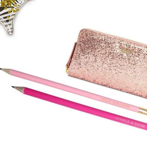Darmowe zdjęcie z galerii z asortyment, instagram, kobiecy, kolorowe ołówki