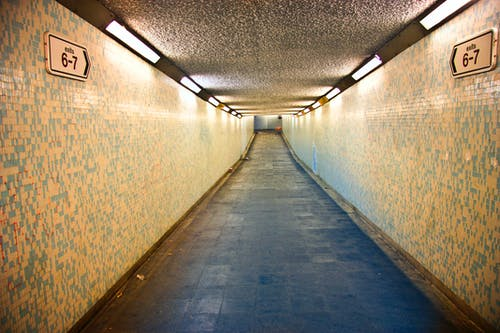 Foto stok gratis arah, bagian, bagian dalam, bawah tanah