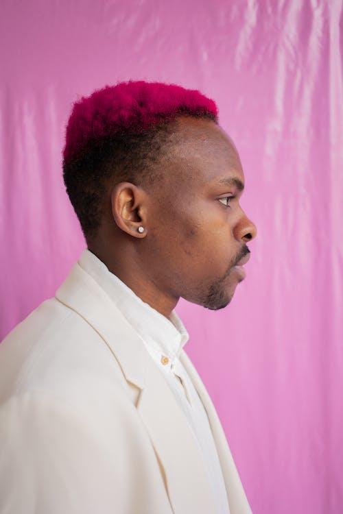 Foto profissional grátis de cabelo colorido, fundo cor-de-rosa, fundo rosa