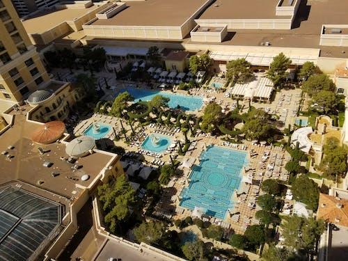 夏日俱乐部, 旅館, 泳池俱乐部 的 免费素材图片