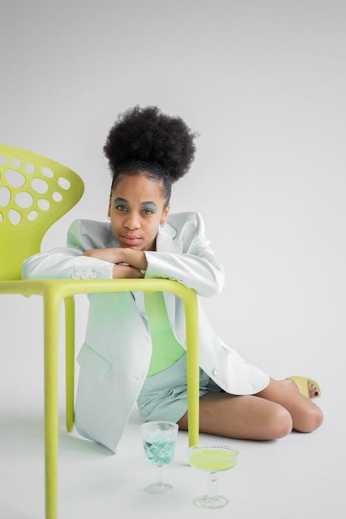 Základová fotografie zdarma na téma afroameričanka, atraktivní, barva