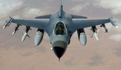 Безкоштовне стокове фото на тему «Авіація, аероплан, бойовий літак, Військова авіація»