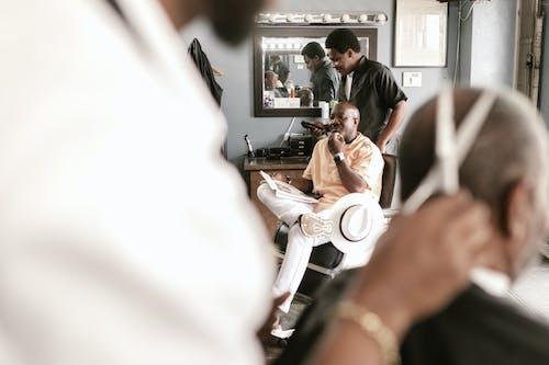 Foto profissional grátis de aparar, barbearia, barbeiro