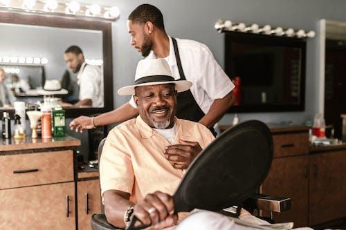 Foto profissional grátis de barbearia, barbeiro, cabeleireiro