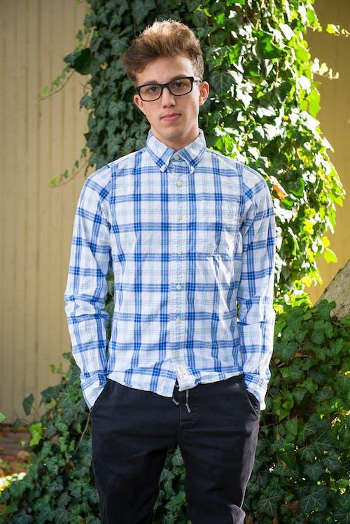 Man Wearing White and Blue Plaid Dress Shirt