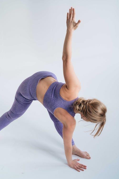 三角姿勢, 三角式, 健康的生活型態 的 免費圖庫相片