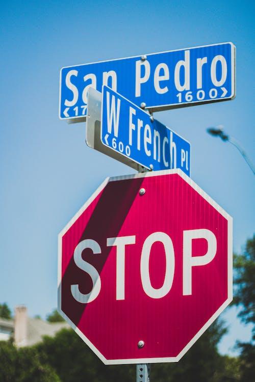 San Pedro Signage