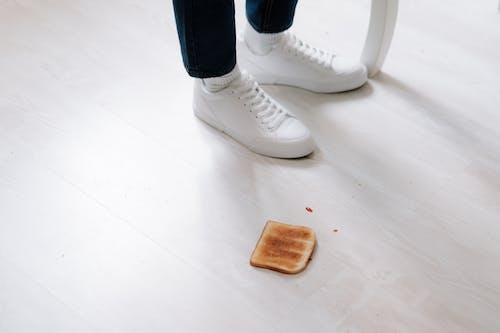 Ảnh lưu trữ miễn phí về bánh mì nướng, đôi chân, giày