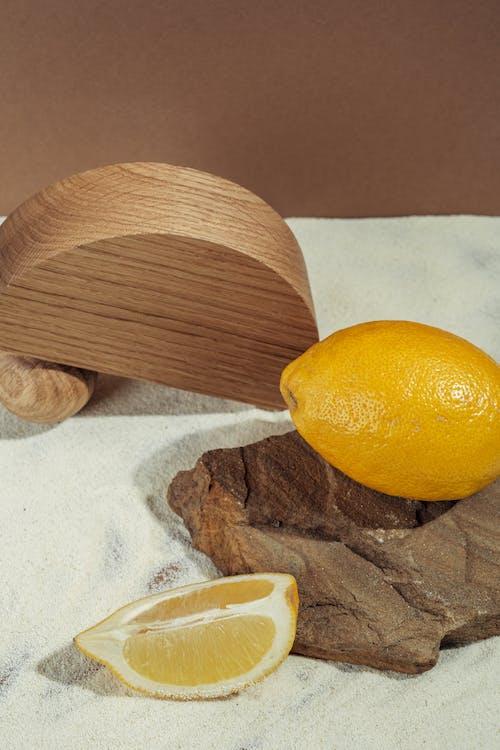Fotos de stock gratuitas de amarillo, arena blanca, estudio