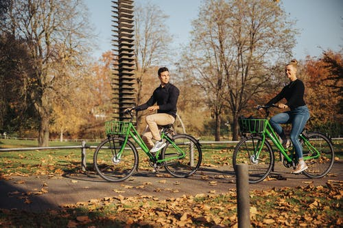 Kostenloses Stock Foto zu erholung, fahrrad, frau