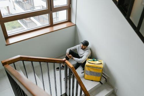 Imagine de stoc gratuită din agent de livrari, așteptare, atelier