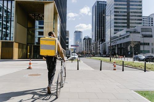 Kostenloses Stock Foto zu bedienung, fahrrad, innenstadt
