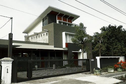 Free stock photo of architecture, brush, building, home exteriorar