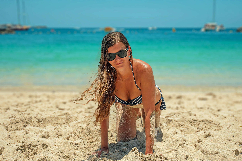 뜨거운, 모래, 바다, 비키니의 무료 스톡 사진