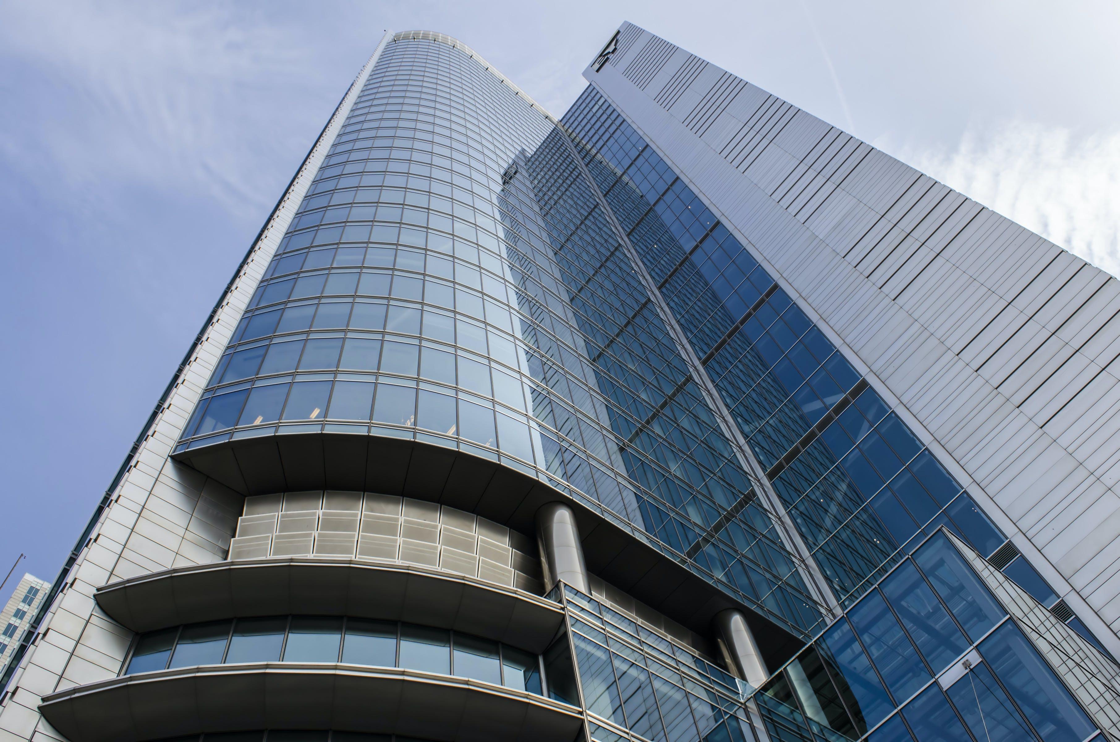 Kostenloses Stock Foto zu himmel, wolken, büro, architektur