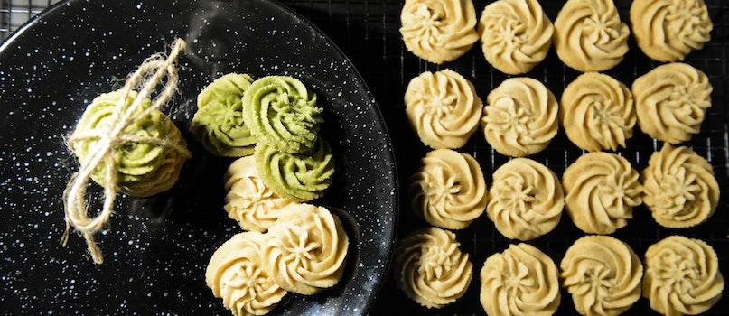 Round White Cookies
