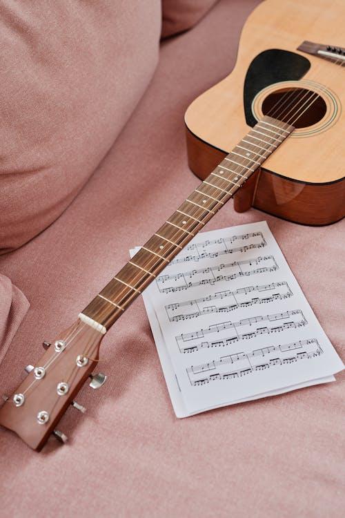 Безкоштовне стокове фото на тему «акустичний, гітара, гітарист»
