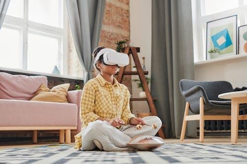 Безкоштовне стокове фото на тему «вікно, Віртуальна реальність, всередині»
