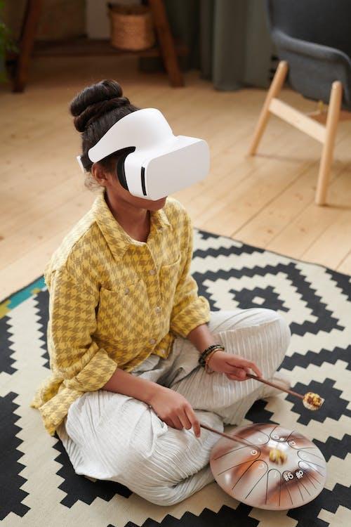 Безкоштовне стокове фото на тему «веселий, Віртуальна реальність, всередині»