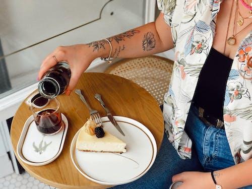 Kostenloses Stock Foto zu appetitlich, arm tattoo, ästhetisch