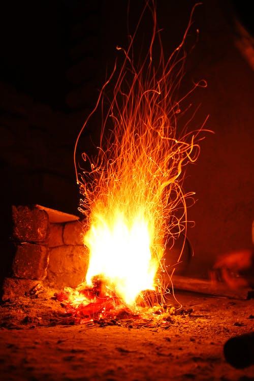 Δωρεάν στοκ φωτογραφιών με άμμος, ανάβω φωτιά, άνθρακας, έκρηξη
