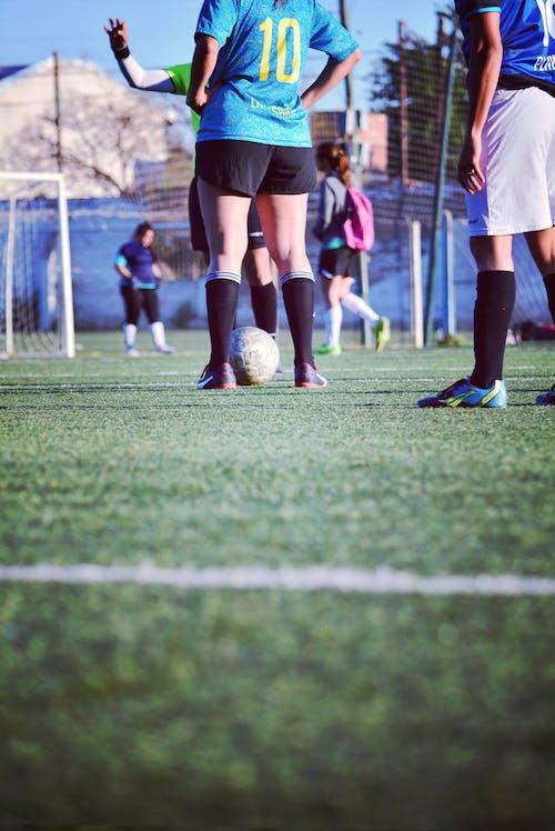 アスレチックガール, サッカー, サッカーガール, スポーツの無料の写真素材