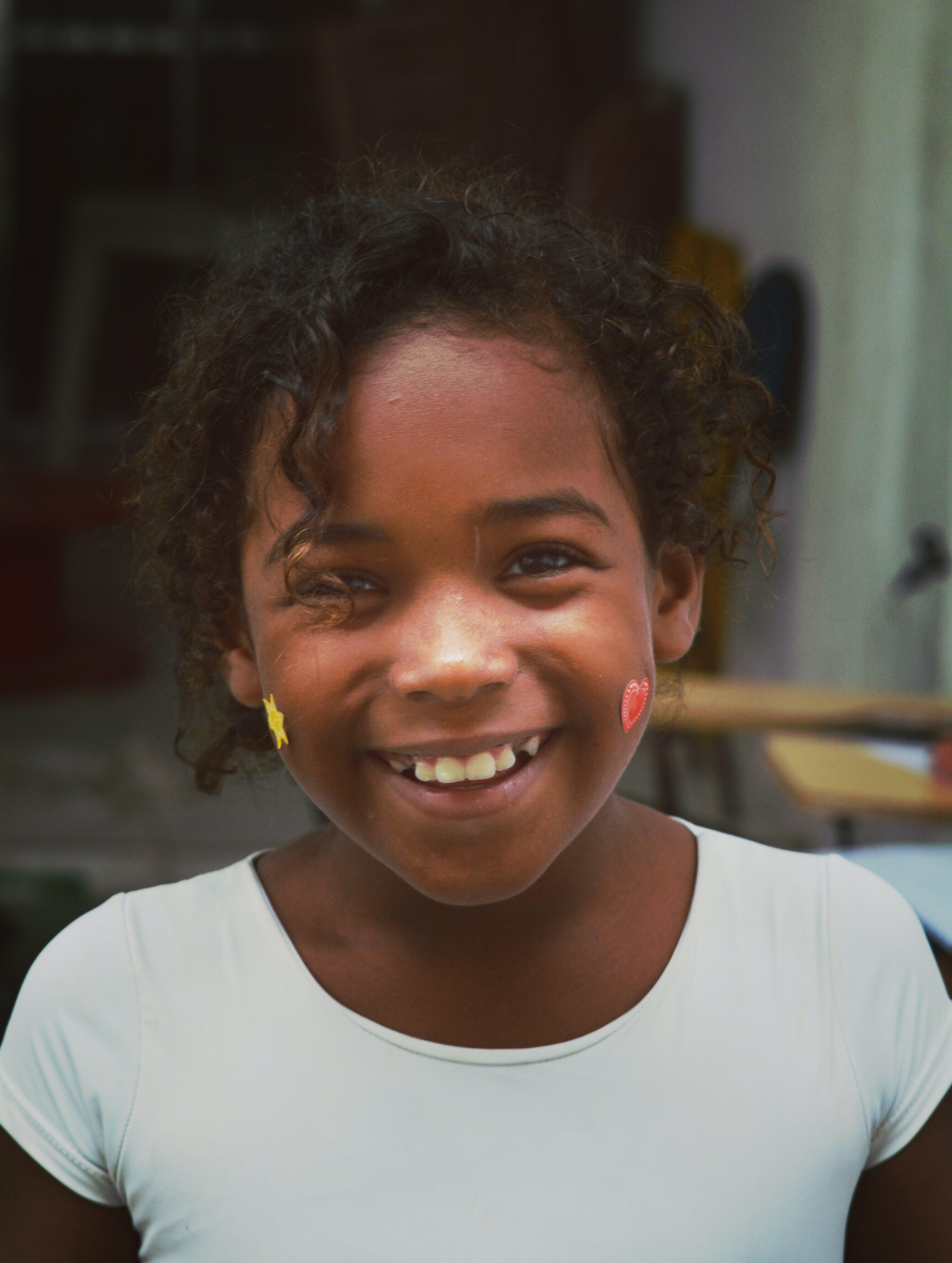 Kostenloses Stock Foto zu brasilianisch, kinder, lächeln, porträt