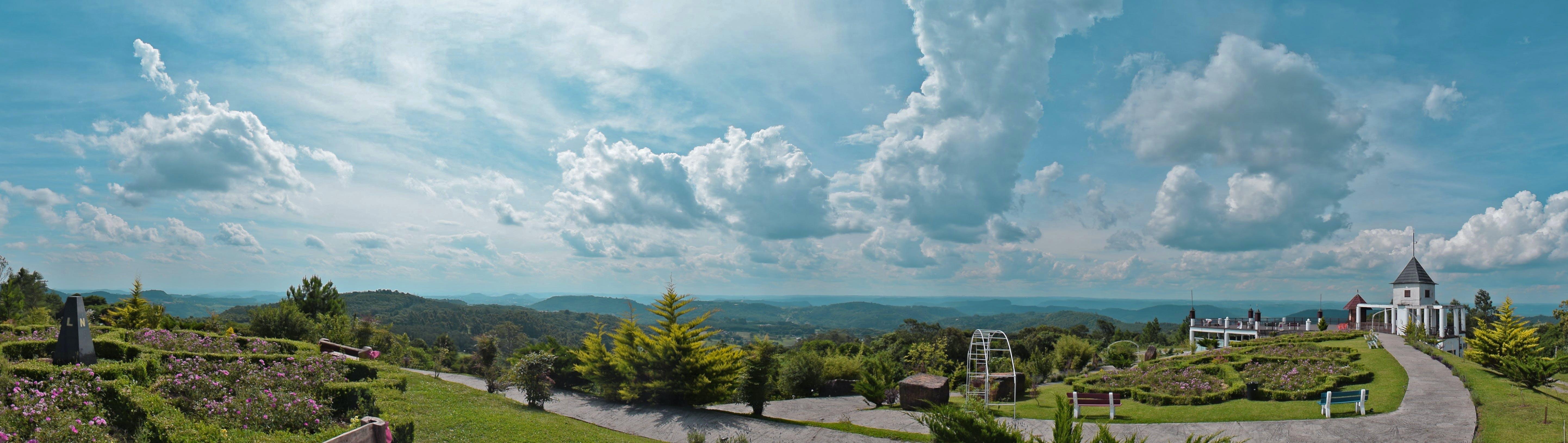 Kostenloses Stock Foto zu außerorts, bäume, berg, blauer himmel