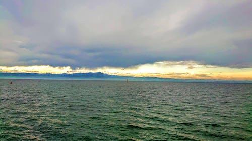 天空, 晨曦, 波浪 的 免费素材图片