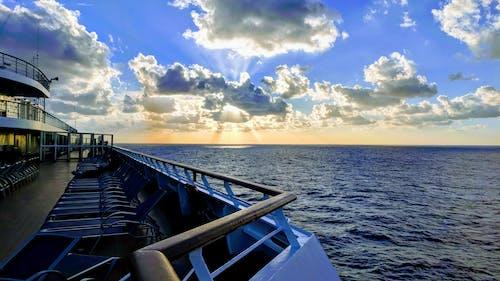 Gratis lagerfoto af dybt hav, hav, krydstogt, krydstogtskib