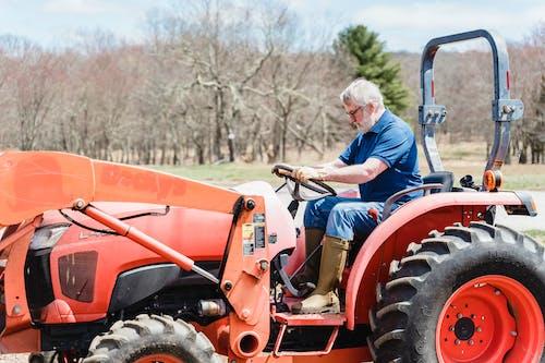 Základová fotografie zdarma na téma řízení, šedé vlasy, starší muž