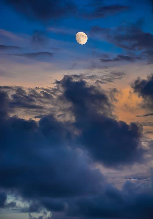 Ingyenes stockfotó ég, felhők, festői, hold témában