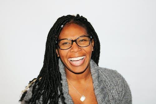 Ingyenes stockfotó afro-amerikai nő, álló kép, arckifejezés, boldogság témában