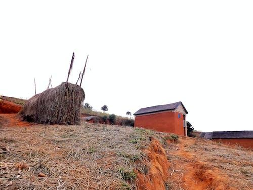 景觀, 晴朗的天空, 鄉間別墅, 马尔加什 的 免费素材照片