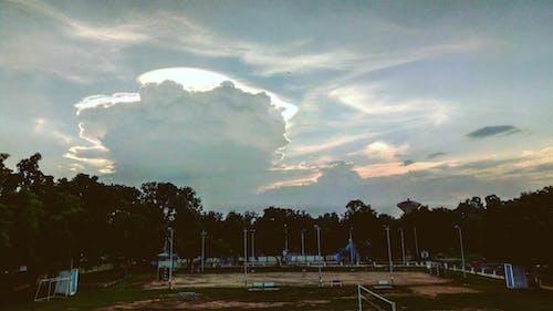 Gratis lagerfoto af bane, fodboldbane, græs, himmel