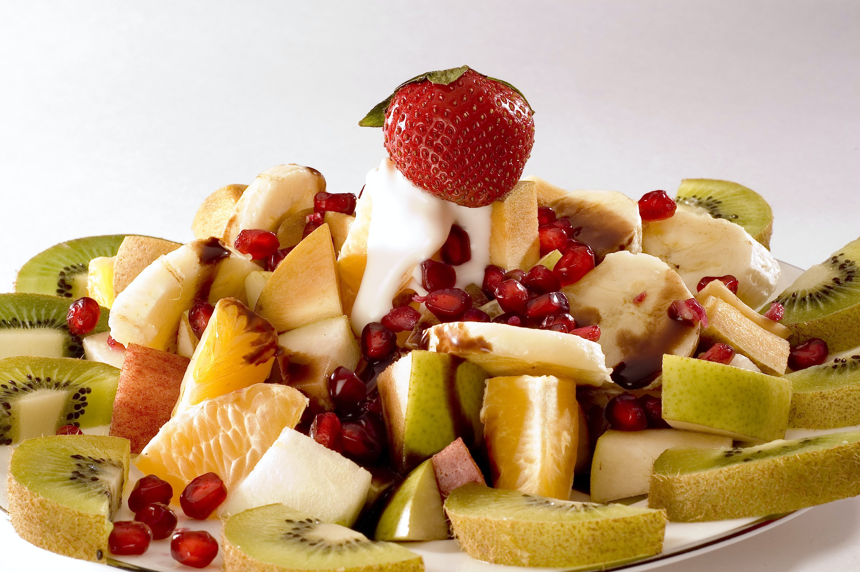 Strawberry With Sliced Kiwis and Fruits