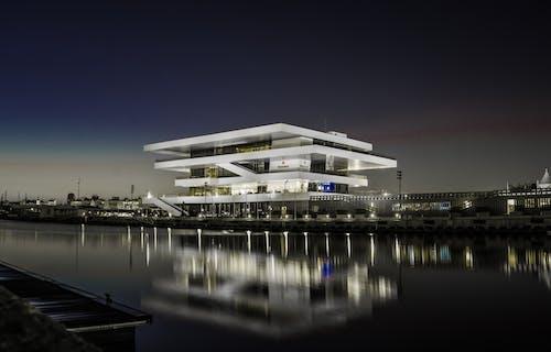 Základová fotografie zdarma na téma architektonický návrh, architektura, budova, klidné vody