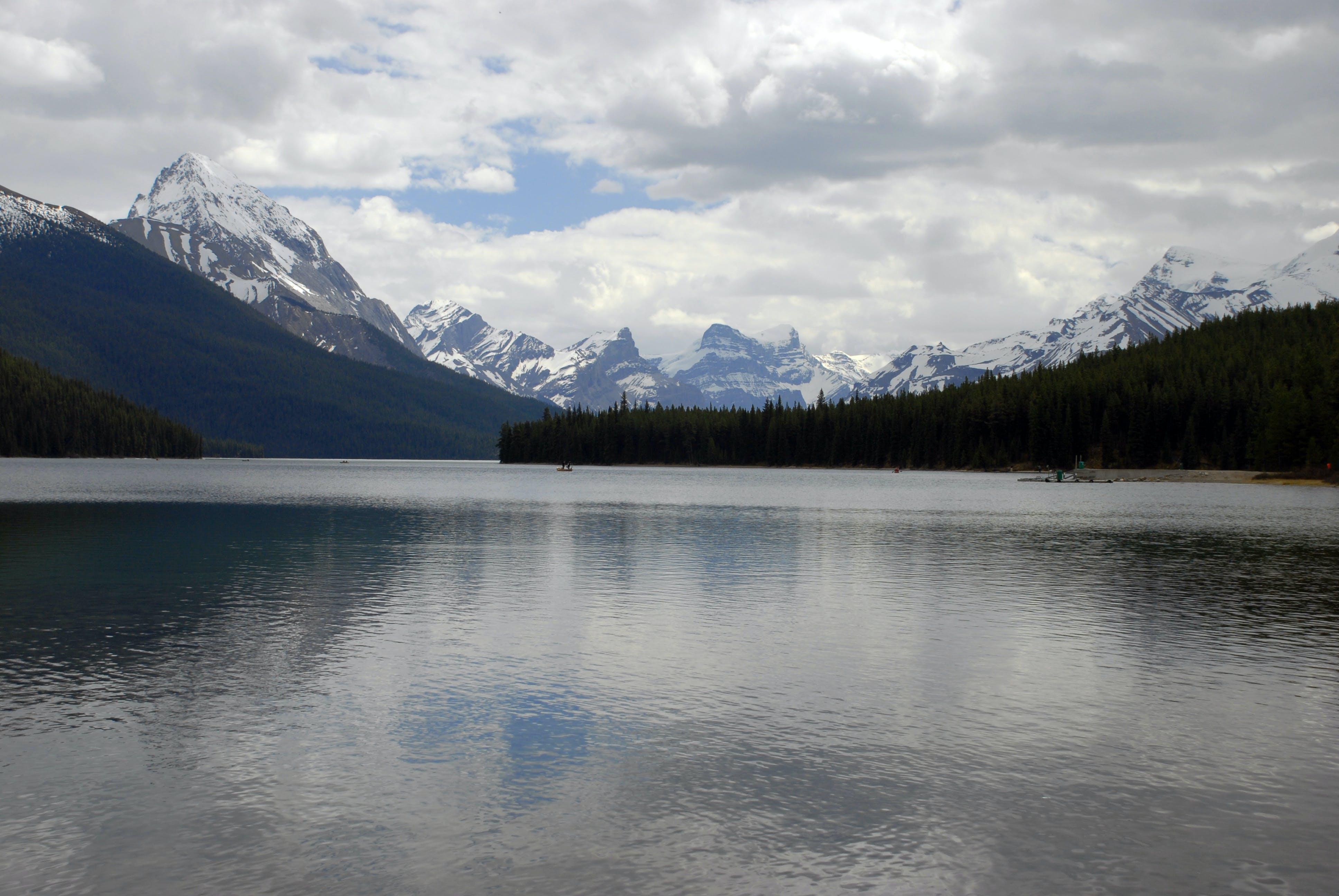 Δωρεάν στοκ φωτογραφιών με αντανάκλαση, βουνά, γαλήνιος, γραφικός