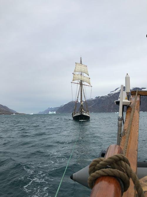 Gratis stockfoto met bergen, boot, buiten