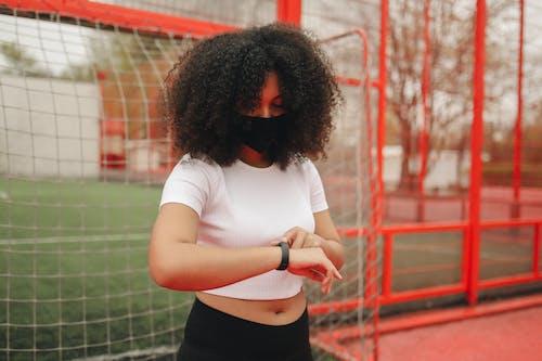 Fotos de stock gratuitas de adolescente, al aire libre, bola