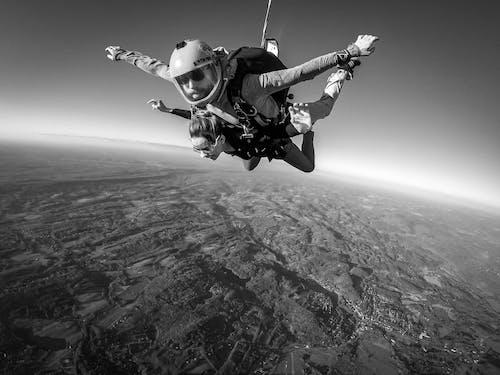 Photos gratuites de adrénaline, euphorie, faire du parachute
