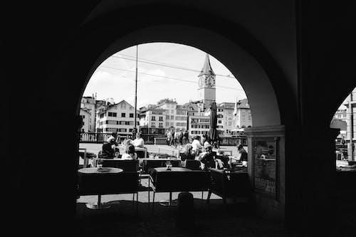 Gratis stockfoto met architectuur, gebouw, mensen, plaats